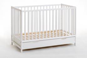 Łóżeczko dziecięce sosnowe Cypi Plus 60 x 120 z materacem i z szufladą